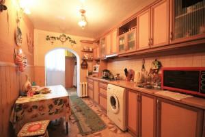 Продается 2-х комнатная квартира на Нивках, по адресу: Шевченковский р-н, Уссурийский пер